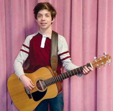 Robert Keel-guitar winner WEB