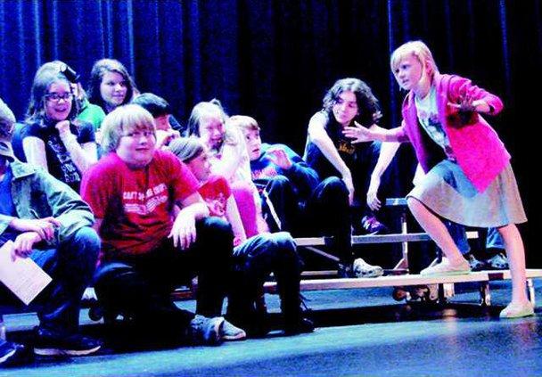 Kids on stage -T