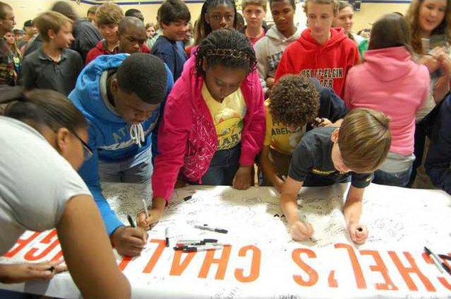 Students SigningWeb