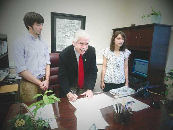 Youth with Mayor web
