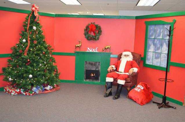 Government Center Xmas - Santa Web