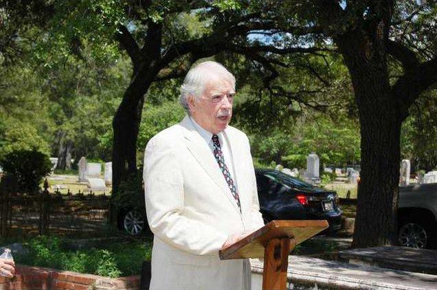 Quaker Cemetery Scully