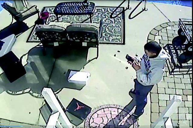 Burglary suspect surveillance photo 2W