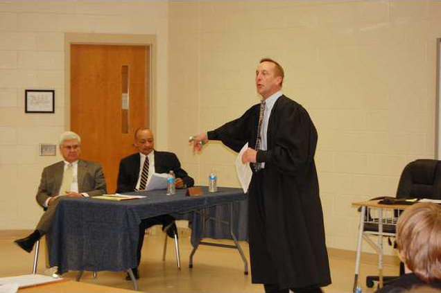 Judge David Reuwer expands on ideas that will help students with their own mock trial.JPG