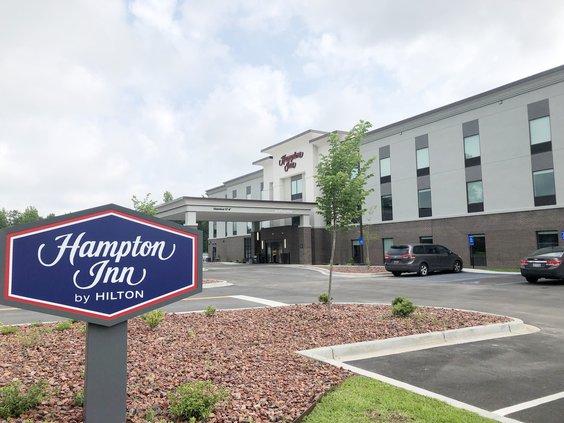 Hampton Inn exterior