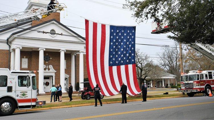 Faulkenberry Funeral - Flag Raising
