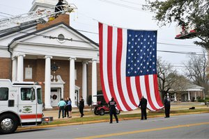 Faulkenberry Funeral - Flag Raising