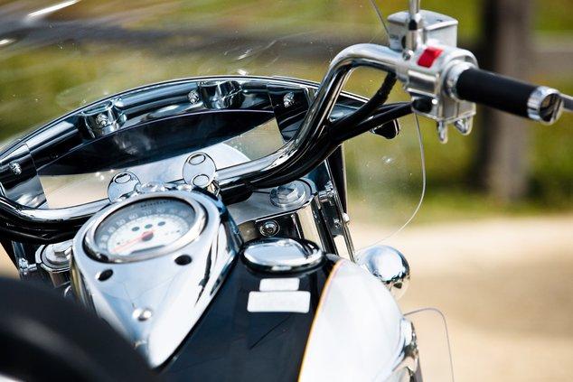 Motorcycle (metro graphics)