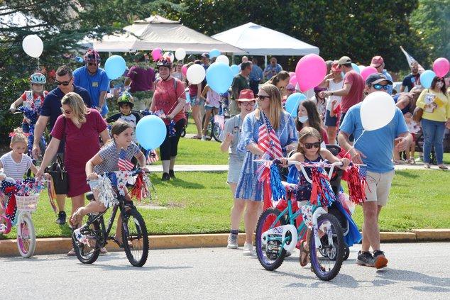 Kids Parade - Parade